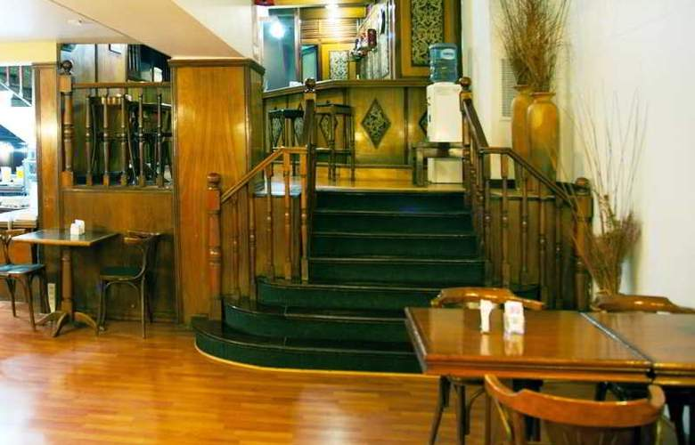 Esmeralda Palace - Hotel - 3