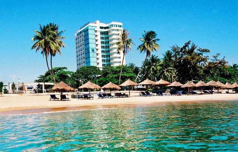 Nha Trang Lodge - Beach - 8