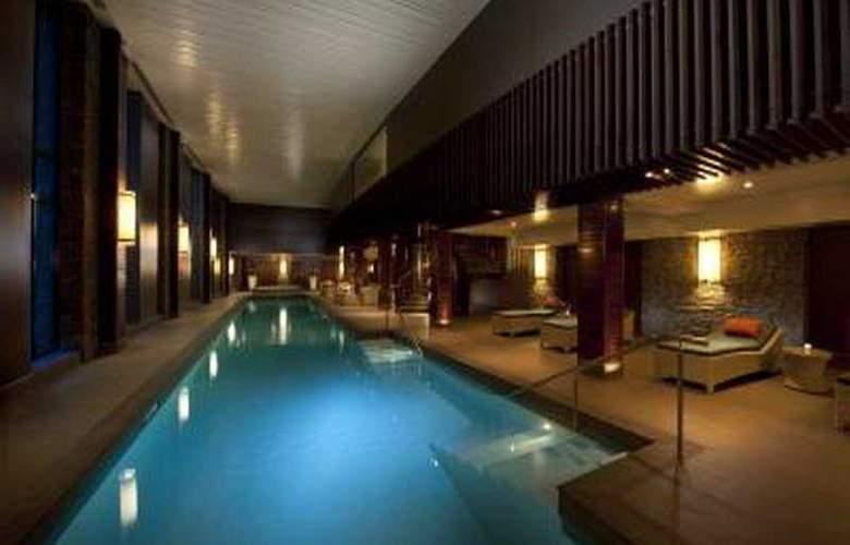 Hilton Queenstown - Pool - 5