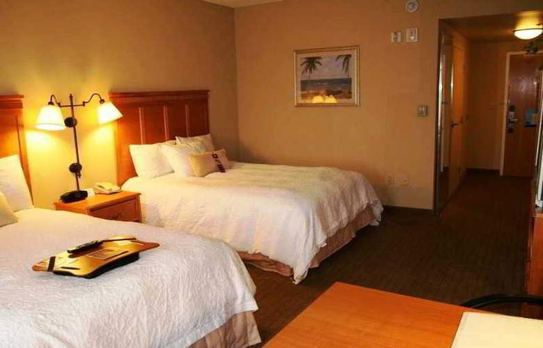 Hampton Inn & Suites Tampa-East - Room - 10