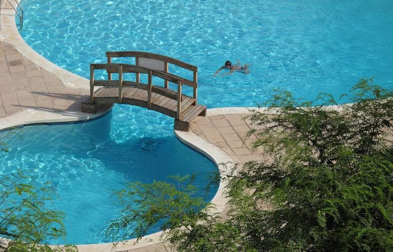 Aquum Hotel Club - Pool - 10