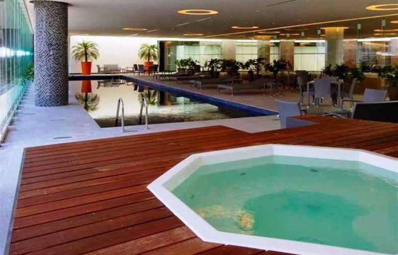 Plaza Suites Mexico City - Pool - 17