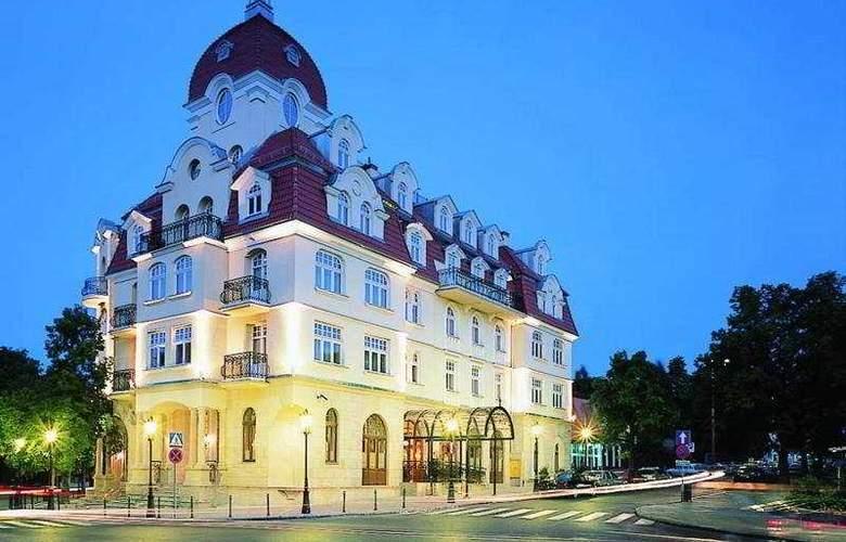 Rezydent - Hotel - 0