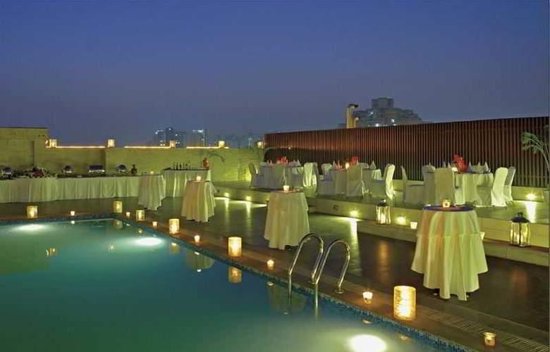 Country Inn & Suites By Carlson Gurgaon Sec 29 - Terrace - 5