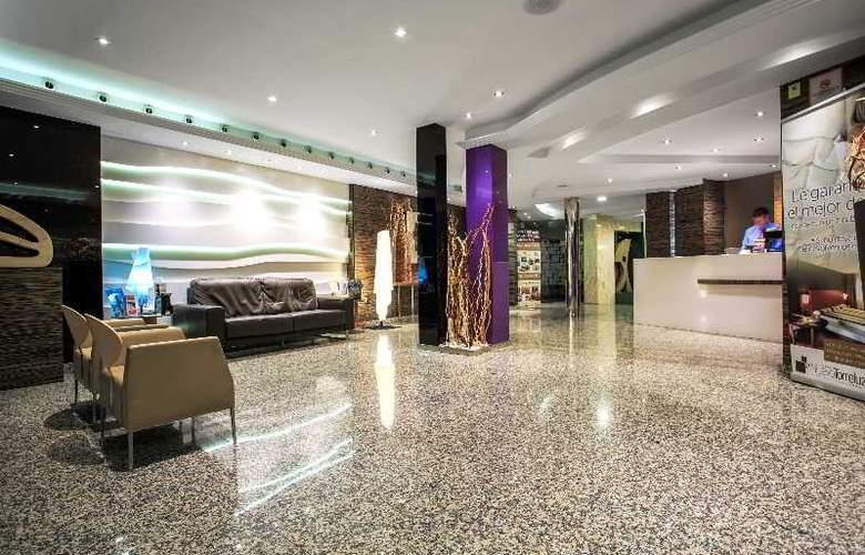 Nuevo Torreluz - Hotel - 10