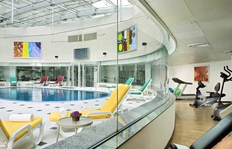 Sheraton Hongqiao - Pool - 4