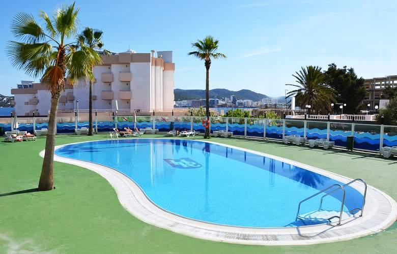 Riviera Apartamentos - Pool - 13
