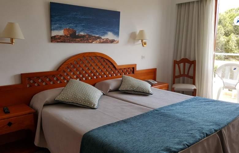 Pinos Playa - Room - 2
