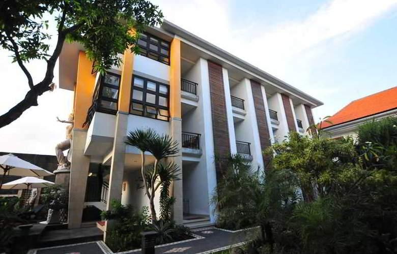 Sandat Legian Hotel - Hotel - 4
