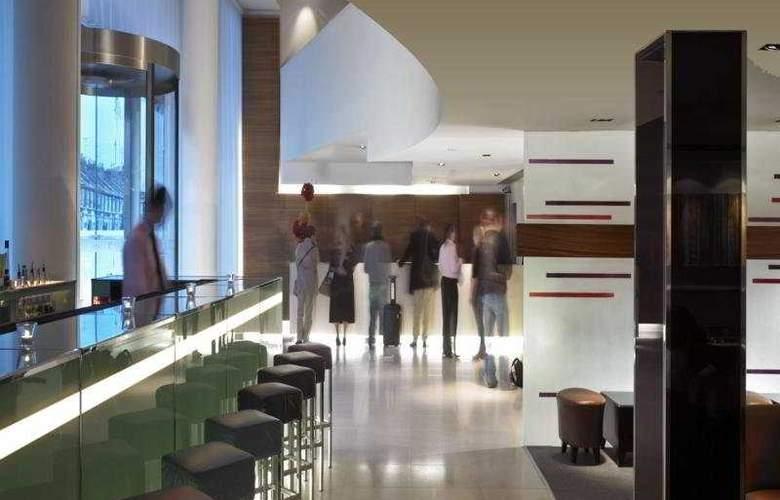 K West Hotel & Spa - Bar - 2