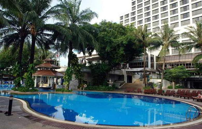 Cholchan Pattaya Resort - Pool - 5