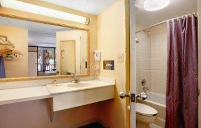 Days Inn and Suites Davenport - Room - 2
