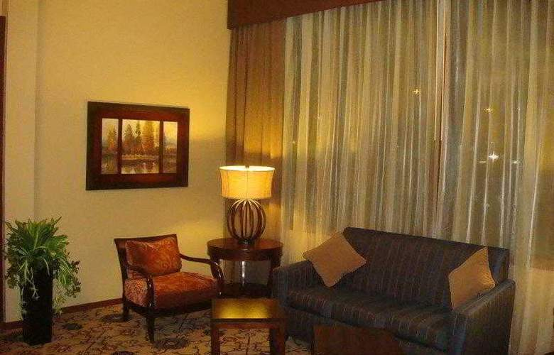 Best Western West Towne Suites - Hotel - 2