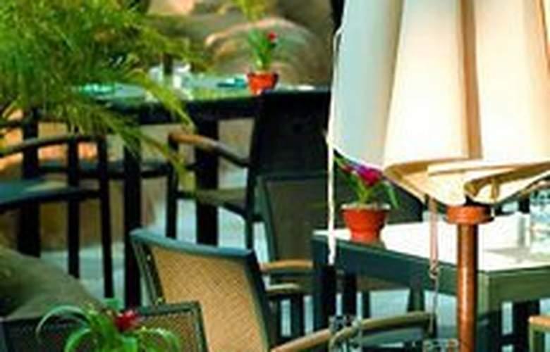 Hilton Vilamoura As Cascatas - Terrace - 11