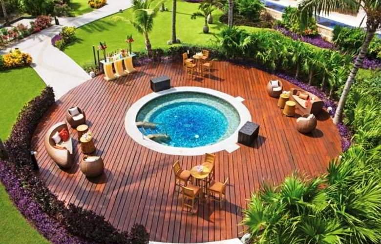 Dreams Riviera Cancun - Pool - 13
