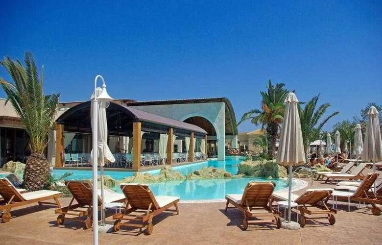 Mediterranean Village - Pool - 8