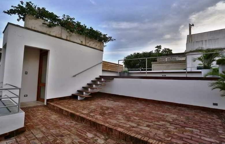 Billini - Terrace - 37