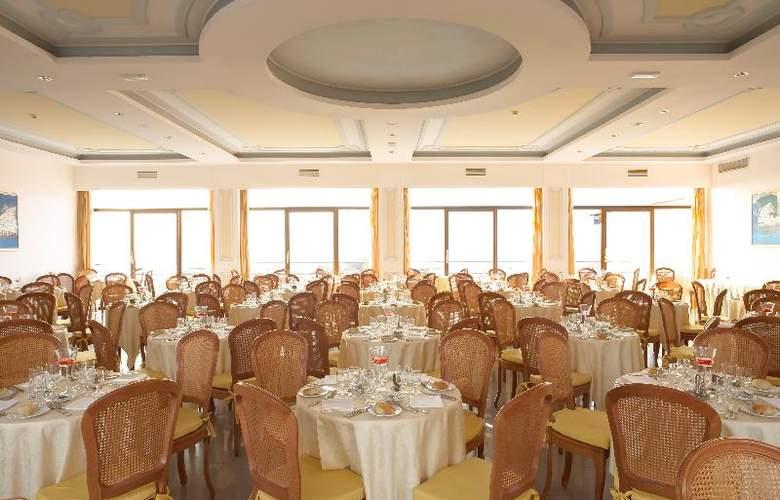 Grand Hotel Flora - Restaurant - 8