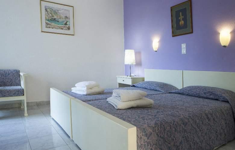 Princess Hotel - Room - 2