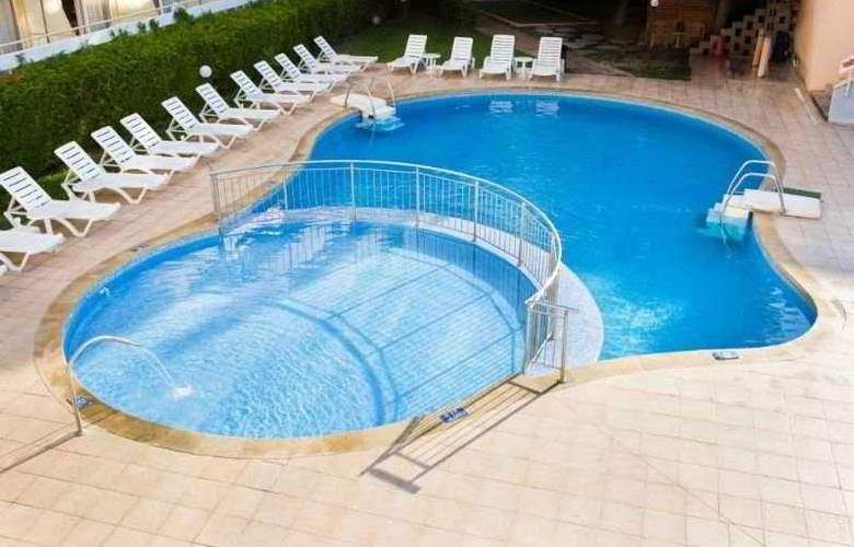 Oasis - Pool - 5