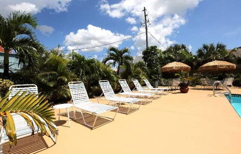 Barefoot Beach Resort Hotel - Pool - 6