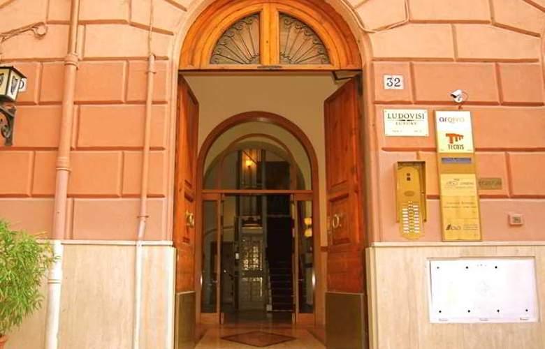 Ludovisi Luxury Rooms - Hotel - 6