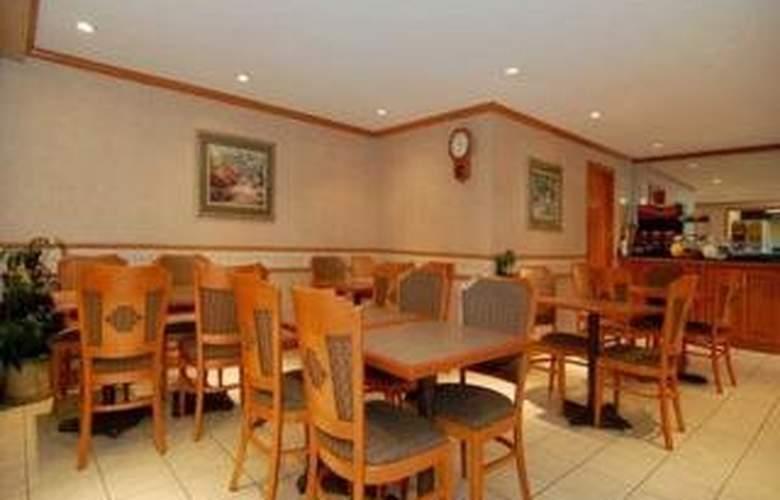 Comfort Inn & Suites Airport - Restaurant - 4
