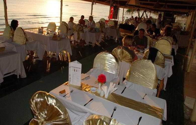 Nova Beach Hotel - Restaurant - 7