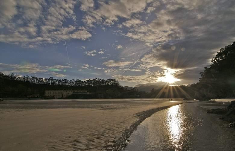 Arcea Mirador de la Franca - Beach - 16