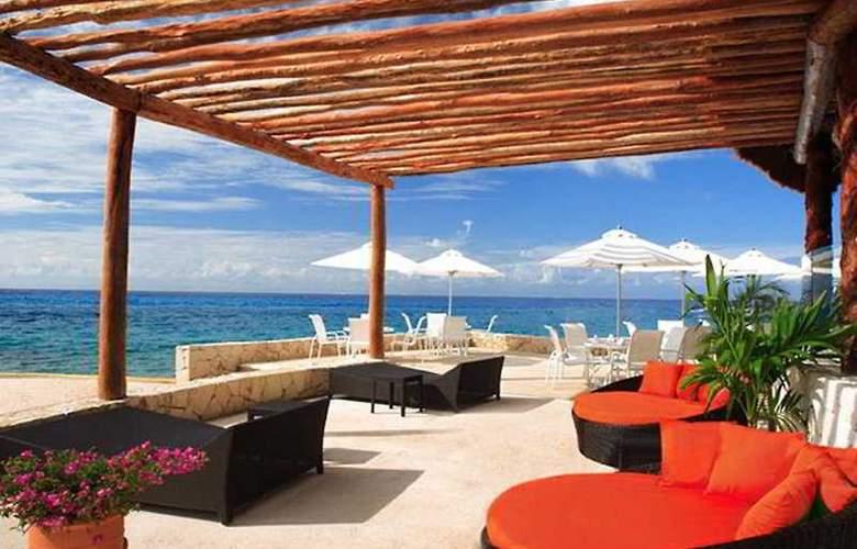 Presidente Intercontinental Cozumel Resort & Spa - Terrace - 9