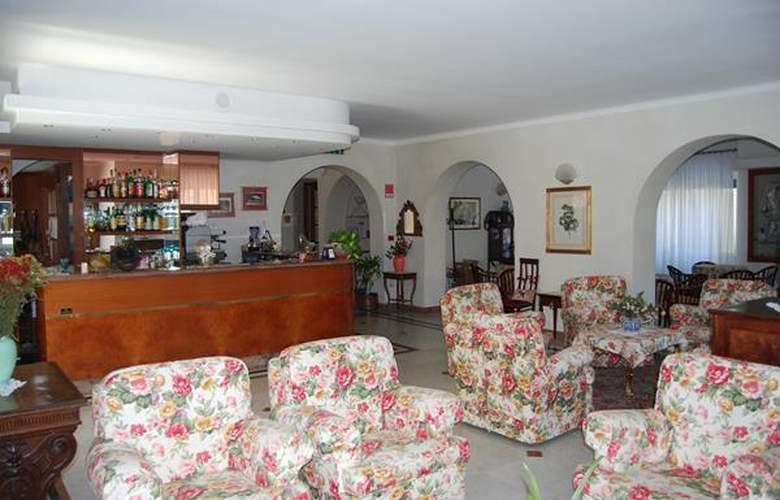 Dora - Hotel - 4