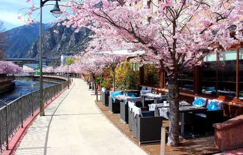 Acta Arthotel Andorra - Terrace - 11