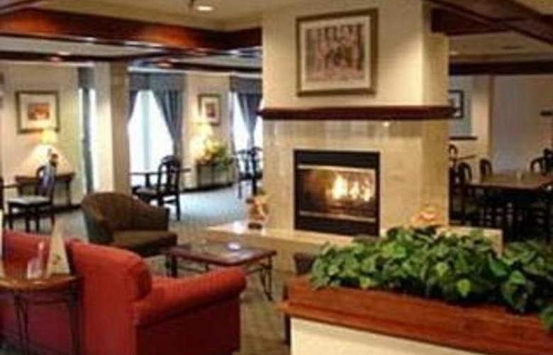 La Quinta Inn & Suites Dallas Northwest - General - 1