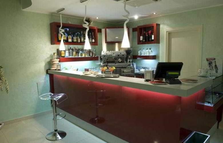 Grand Hotel Sofia - Bar - 7