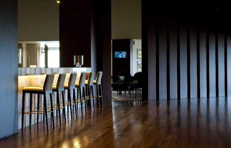 Holiday Inn Porto Gaia - Bar - 3