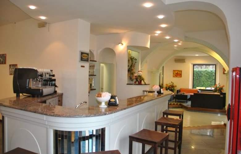Villa Elisa - Hotel - 1