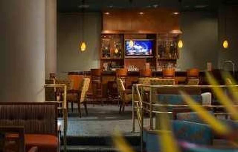 Hilton Fort Lauderdale Airport - Restaurant - 7
