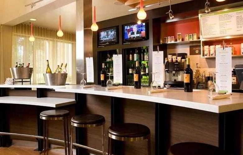 Courtyard Sacramento Airport Natomas - Hotel - 9