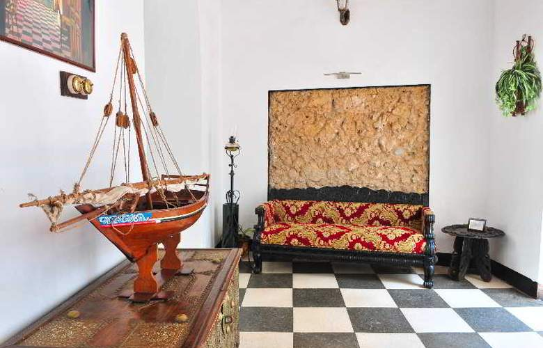 Dhow Palace Hotel - General - 0