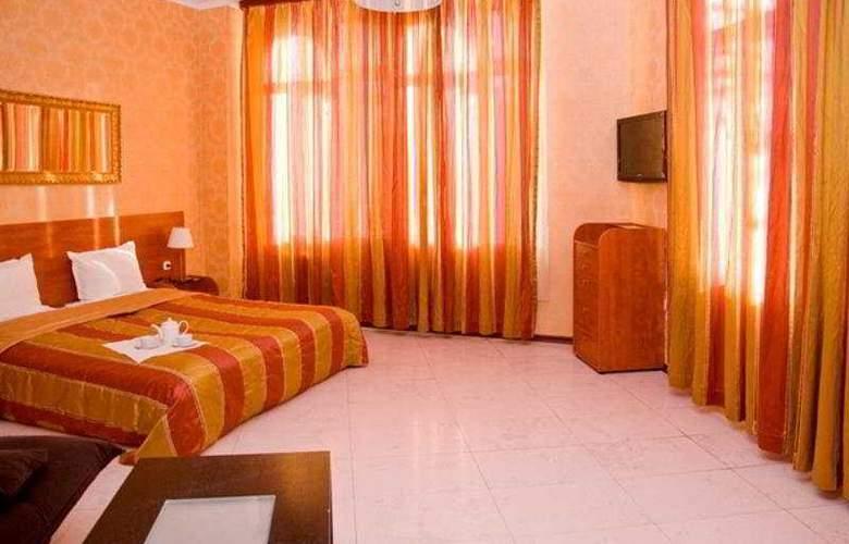 Maxim - Room - 6