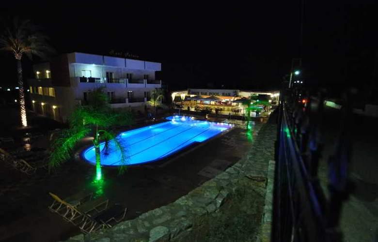 Real Palace - Hotel - 3