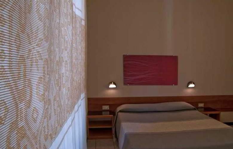 Italia - Room - 10
