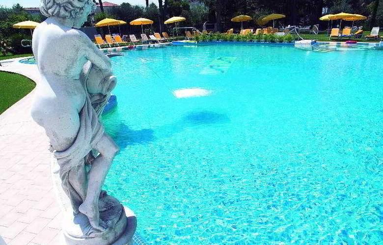 Terme Helvetia - Pool - 2
