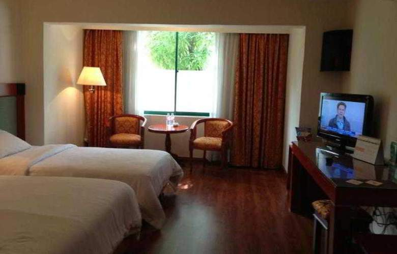 Imperial Garden Villa & Hotel Phnom Penh - Room - 20