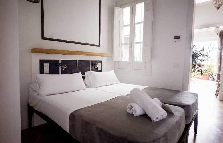 Barcelona Suites - Room - 24