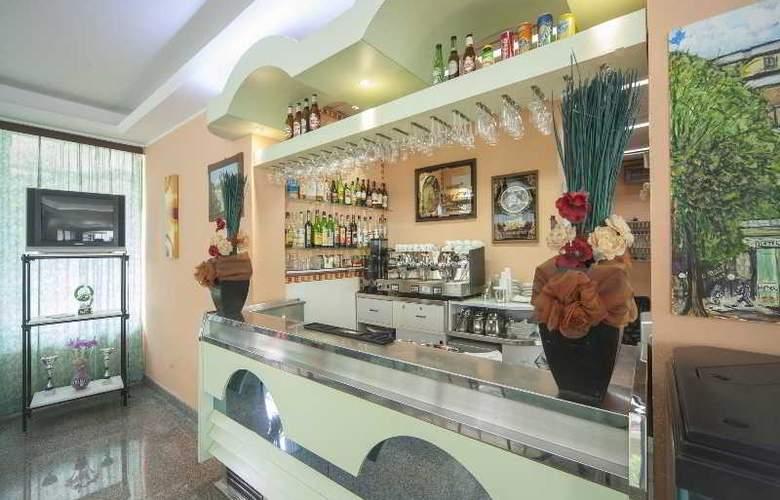 Gemini Hotel - Bar - 20