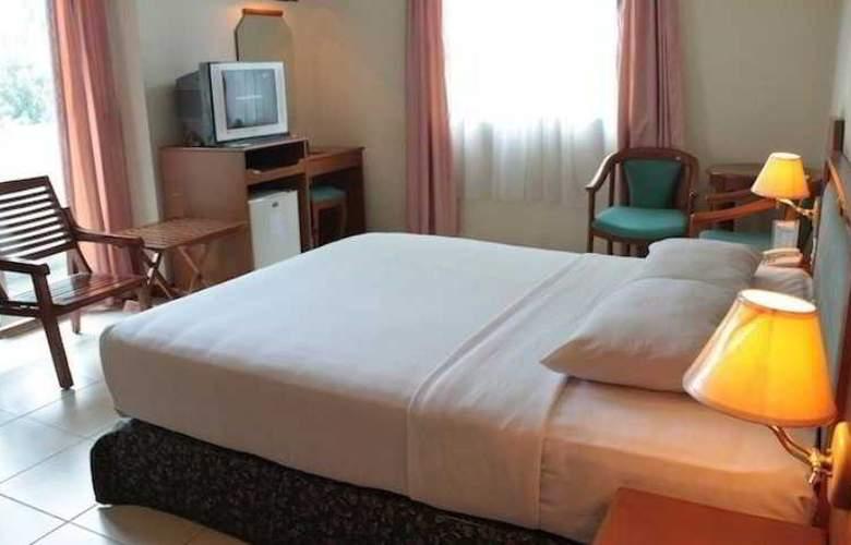 Losari Blok M Hotel - Room - 6
