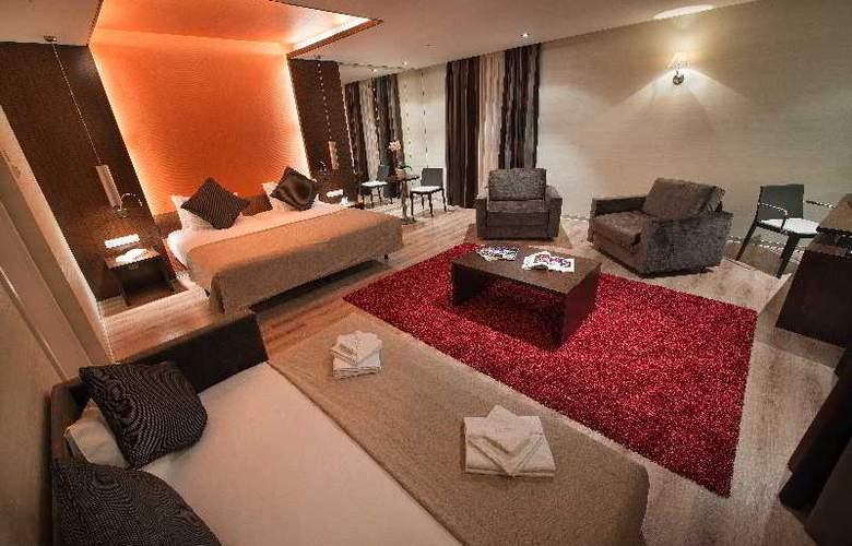 LOFT Bratislava - Room - 9