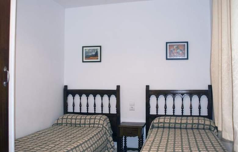 Apartamentos Hesperia, Flandria y Alfonso I - Room - 12
