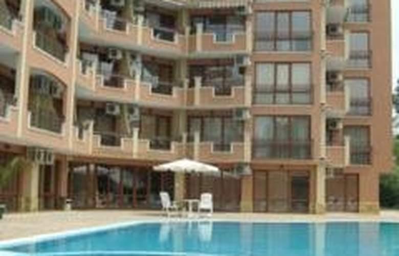 Sunny Sea Palace - Pool - 4